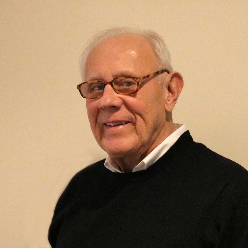 A headshot of Richard Dapra